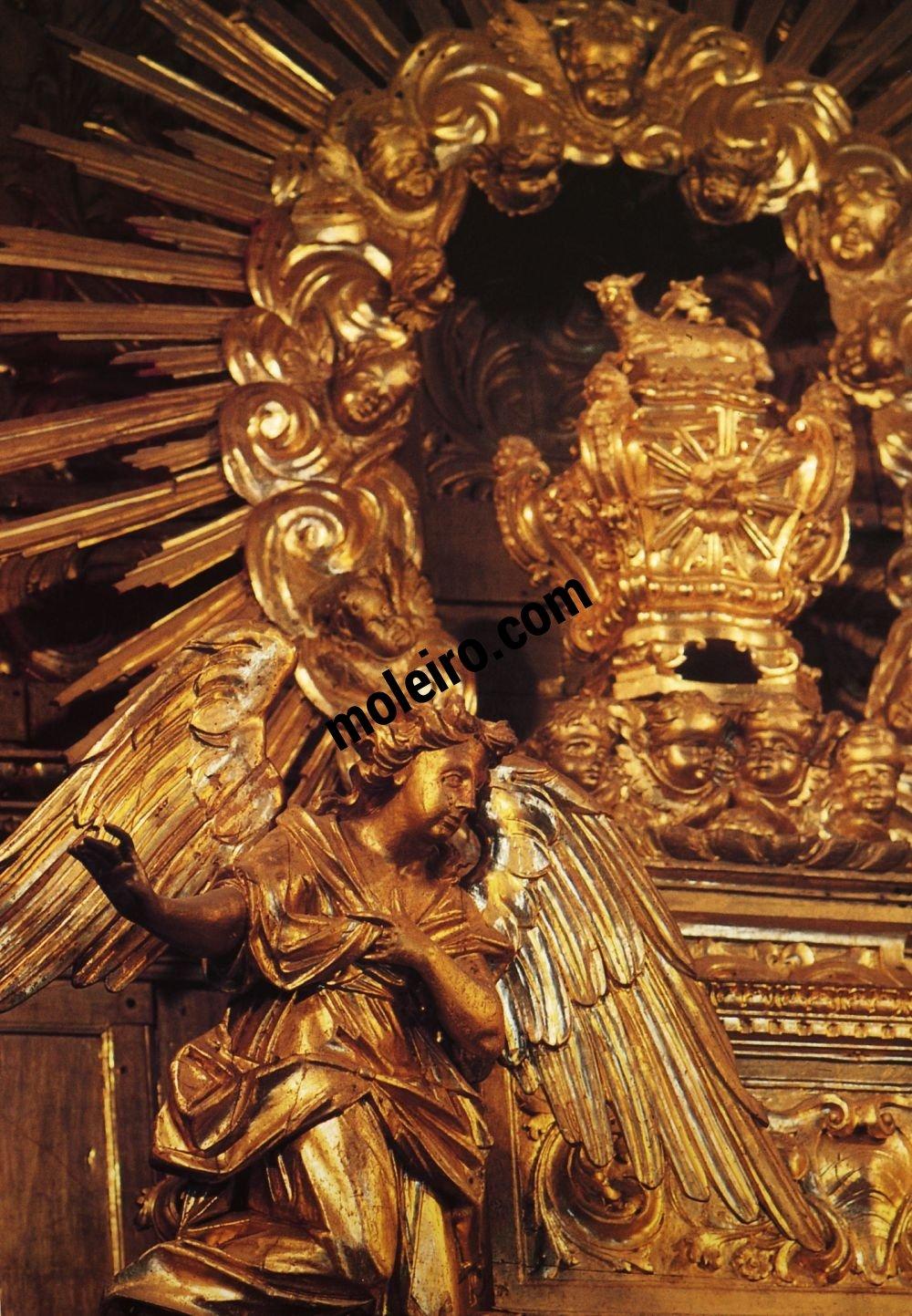 El Arte Barroco en España y Portugal Detalle de la 'talha' - u hornacina de exposicíon de la custodia. Iglesia de São Pedro de Obidos, Portugal.