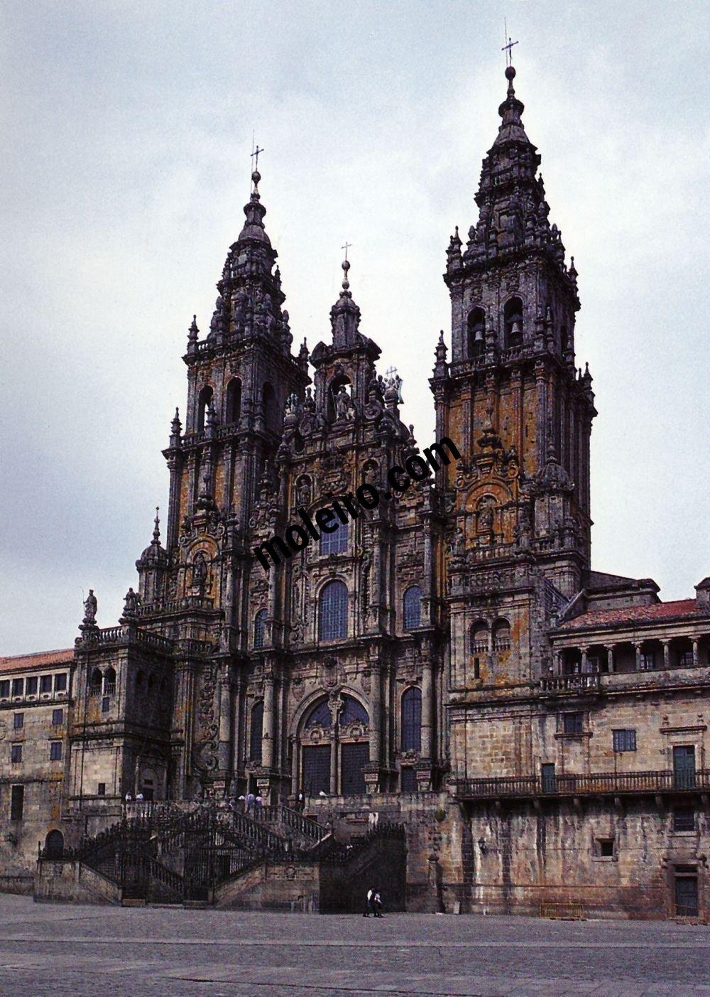 El Arte Barroco en España y Portugal Fachada de Fernando de Casas y Novoa a partir del 1738. Santiago de Compostela, España.