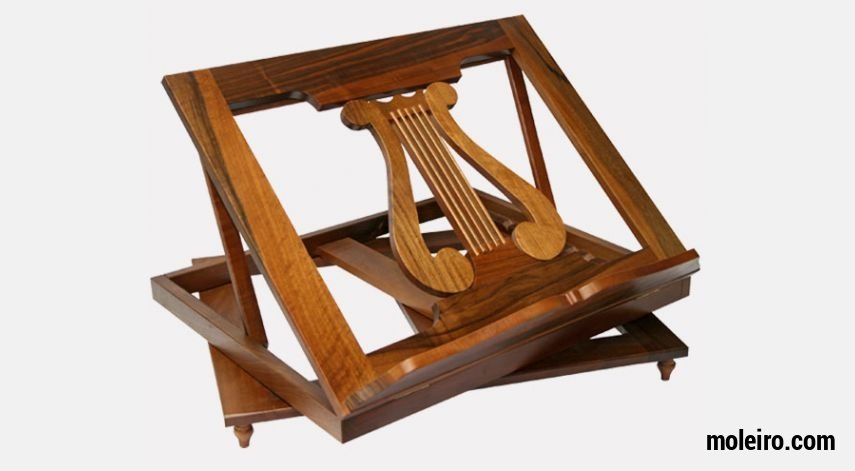 Atril de madera giratorio