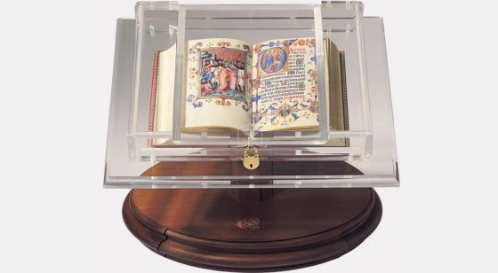 Display bookrest for small codices <em>Book of Hours of Maria of Navarre</em> on bookrest
