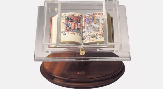 Atril-expositor para códices pequeños <p>Atril con el<em> Libro de Horas de María de Navarra</em></p>