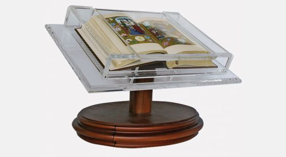 Atril-expositor para códices medianos <p>Atril con el <em>Libro de Horas de Juana la Loca</em></p>