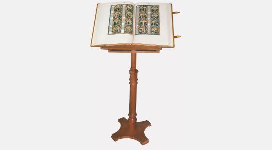 Lutrin en bois Lutrin avec la <em>Bible de Saint Louis</em>