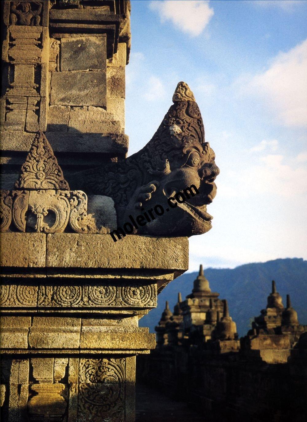 Borobudur Borobudur. Vierte Galerie, Eckwasserspeier der fünften Balustrade