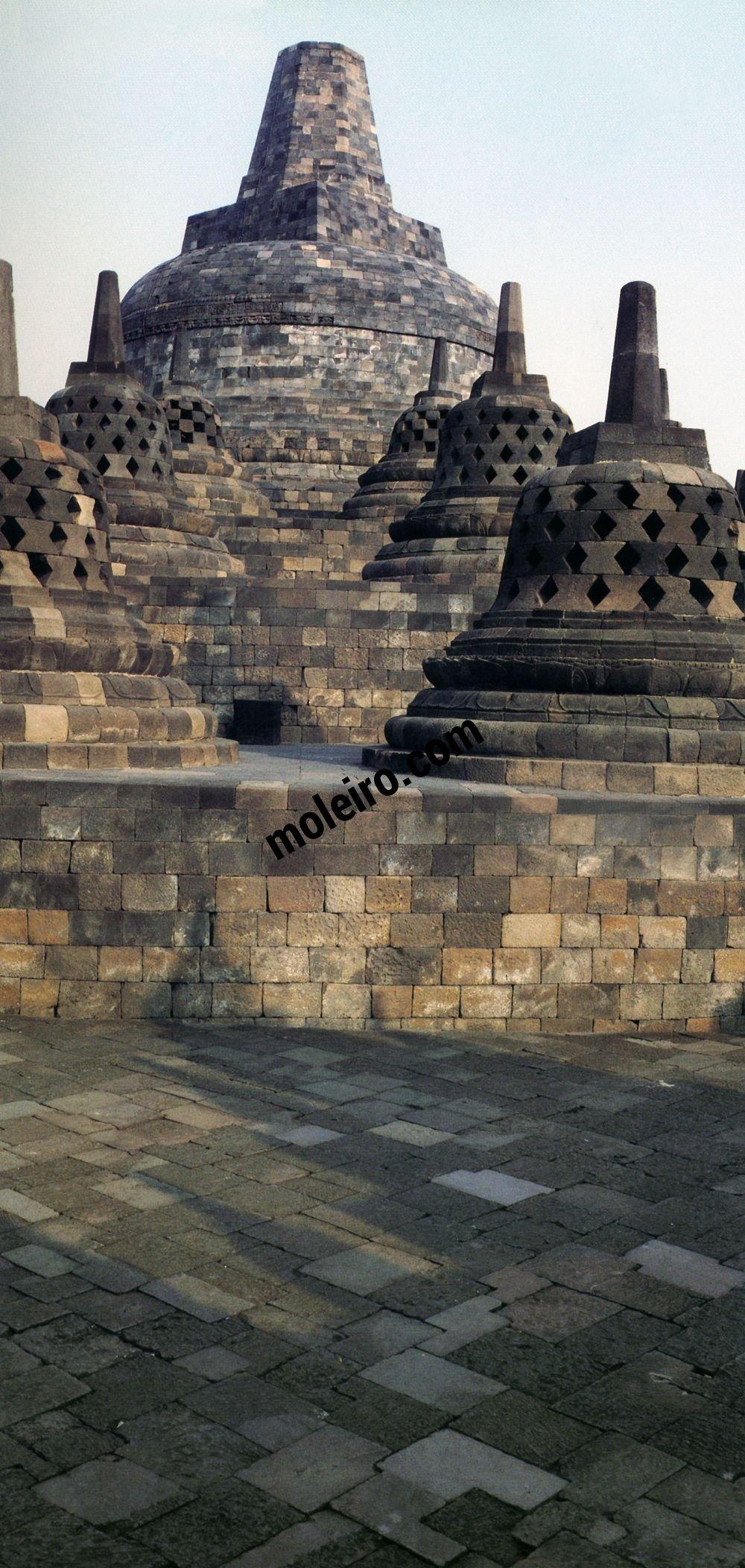 Borobudur Borobudur. Haupt-Stupa.
