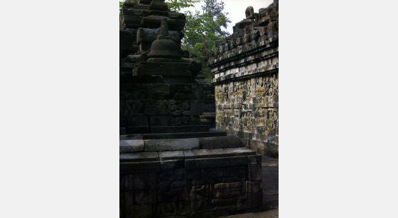 Borobudur Borobudur. Muro oeste de la primera galería, del lado norte.