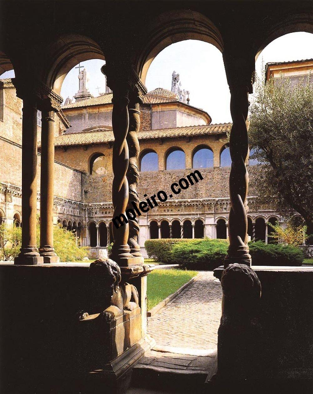 Iglesias de Roma Claustro de la basílica de San Juan de Letrán