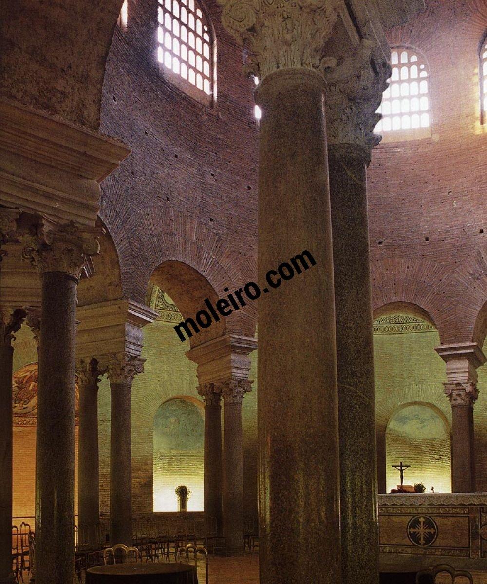 Iglesias de Roma Iglesia de Santa Constancia, erigida en 358 para albergar la sepultura de Constantina.