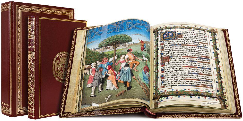 Les Heures de Charles d'Angoulême Étui, livre fermé et livre ouvert (f. 20v)