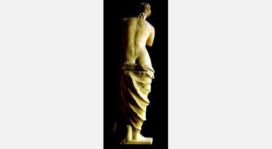 Mujeres. Mitologías Aphrodite chamado Venus de Milo, arte helenística, na direção de 100 aC.