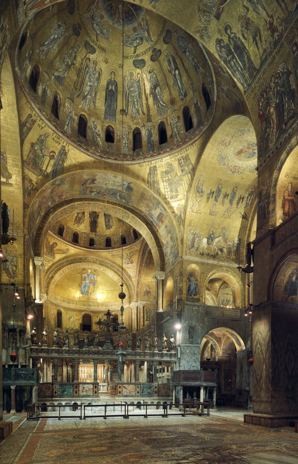 Talleres de Arquitectura en la Edad Media St Mark's Basilica, indoor view (1063-1094)