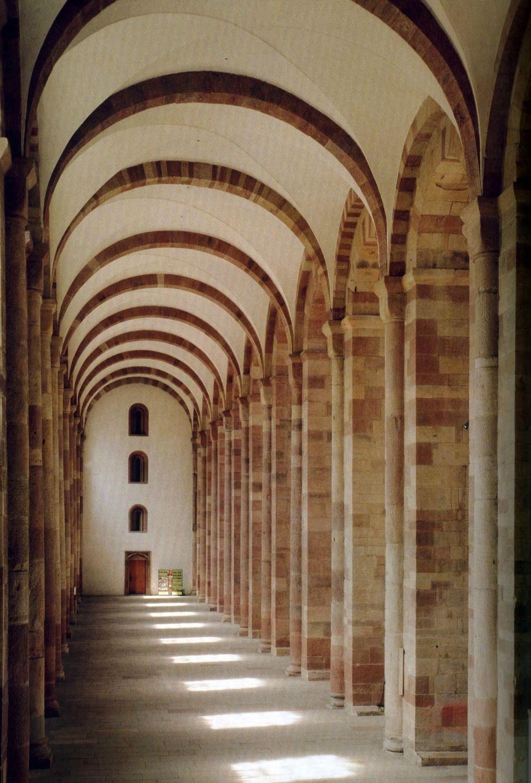 Talleres de Arquitectura en la Edad Media Spira, Duomo, corredor sul, século XII