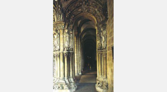 Talleres de Arquitectura en la Edad Media Santiago de Compostela, España, pórtico de la Gloria, siglo XII